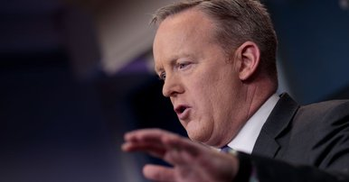 Sean Spicer has cell phones of White House staffers checked for leaked information